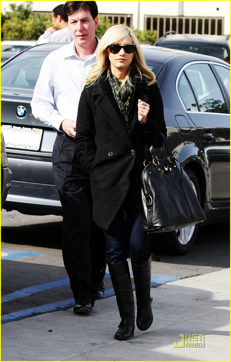 ashley tisdale mos meeting 03