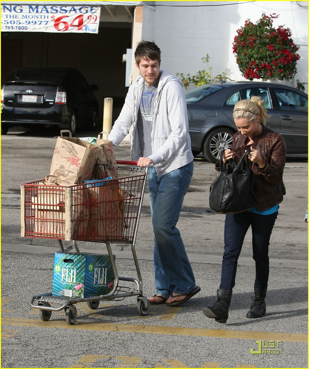 ashley tisdale scott speer trader joes 27