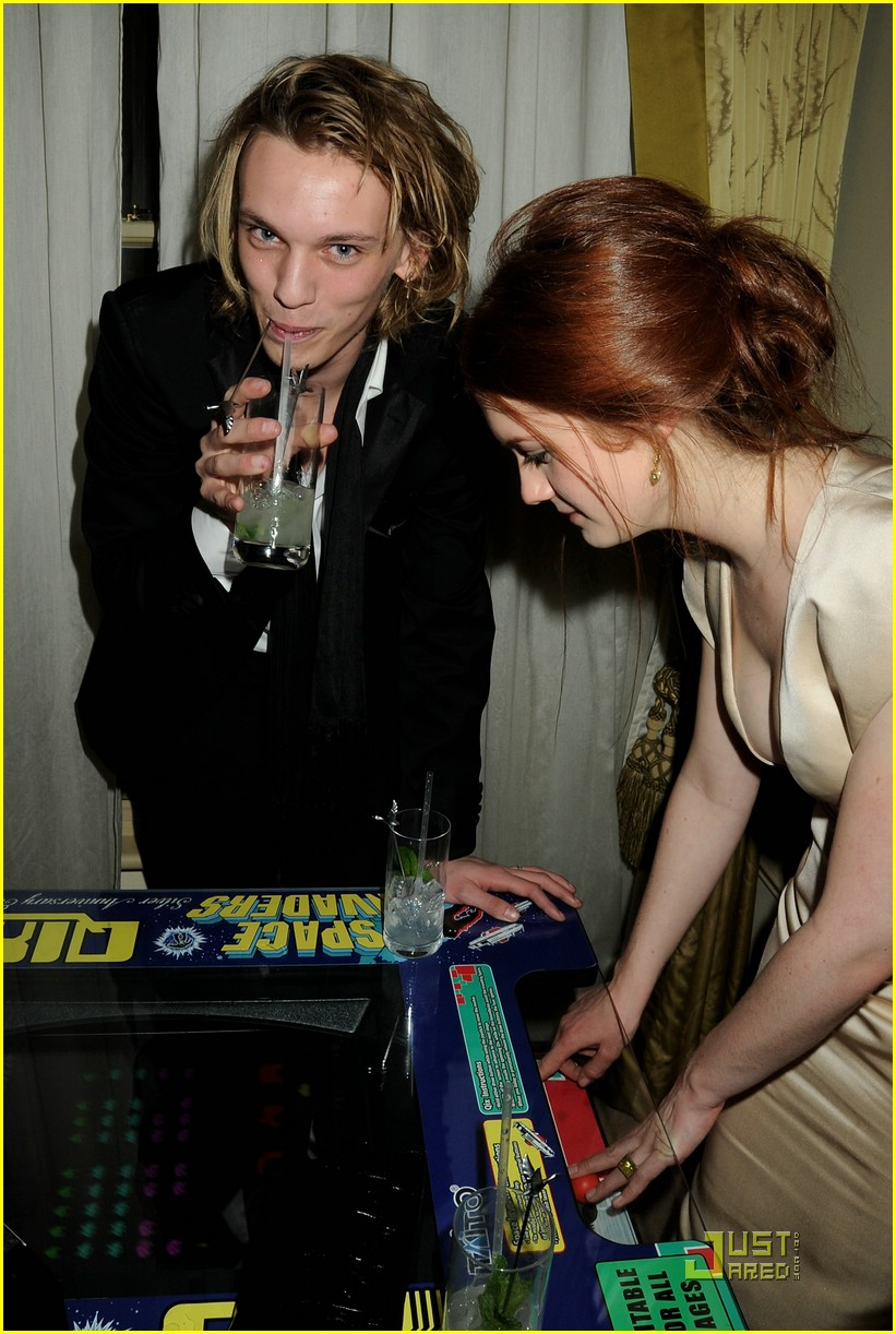 bonnie wright jamie bower prada 09