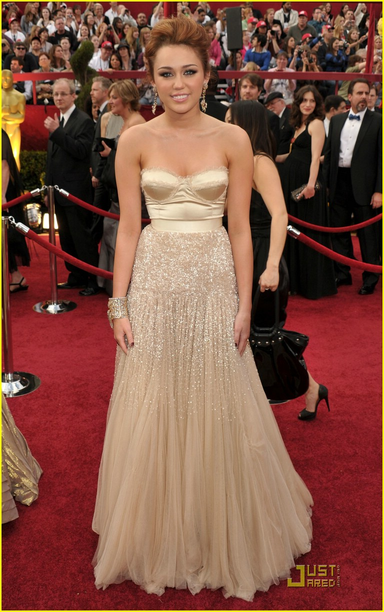 Miley Cyrus is Jenny Packham Pretty | Photo 361155 - Photo ...