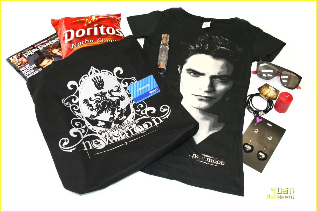 win new moon prize packs 01