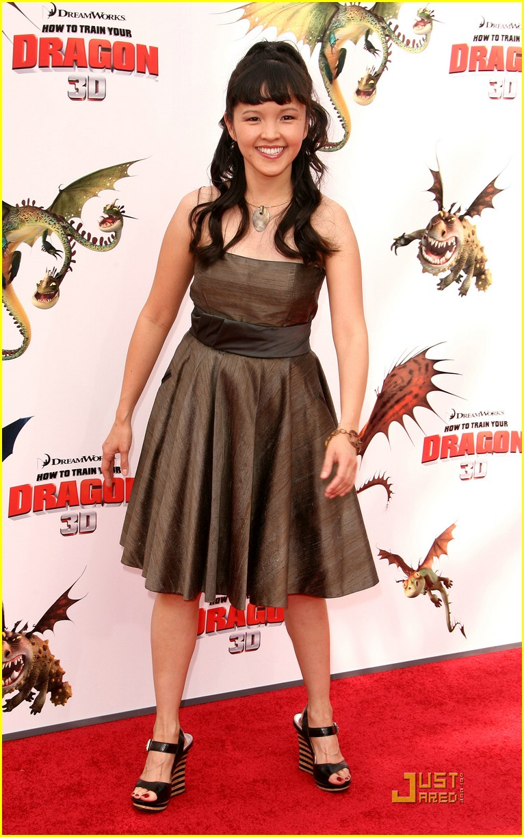 sammi bella tania dragon premiere 01