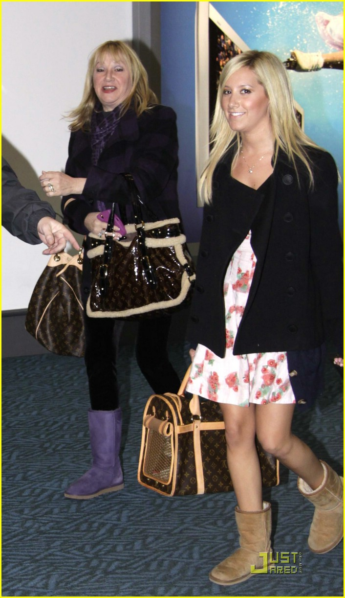 ashley tisdale vancouver canada 01