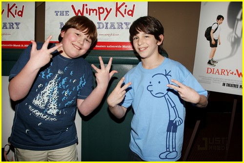 zachary gordon palace signing 08