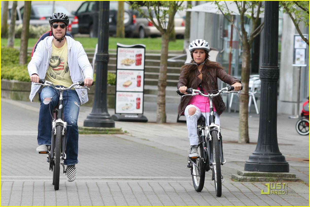 ashley tisdale scott speer biking 01