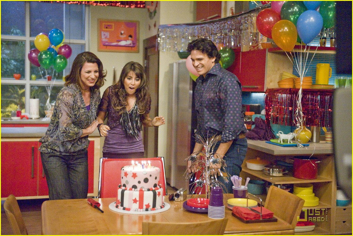 daniella monet birthweek victorious 05