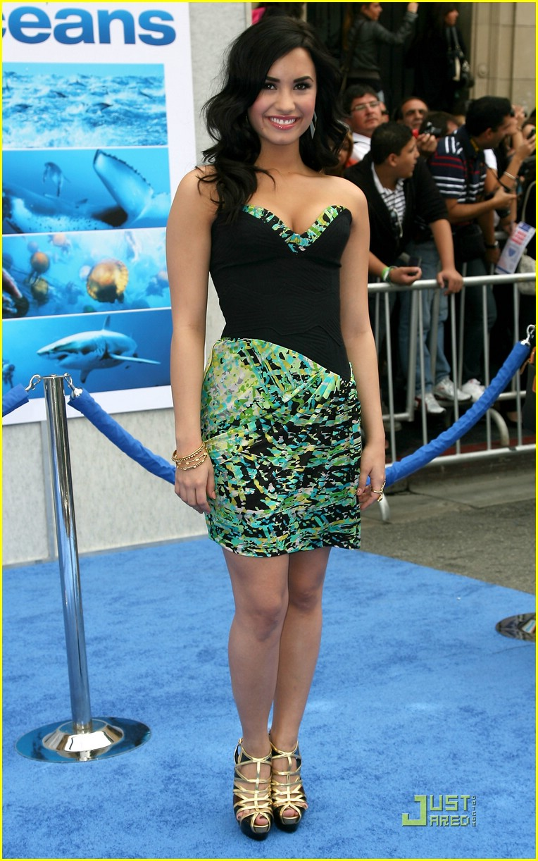 Demi Lovato is Oceans Away | Photo 366759 - Photo Gallery | Just ...