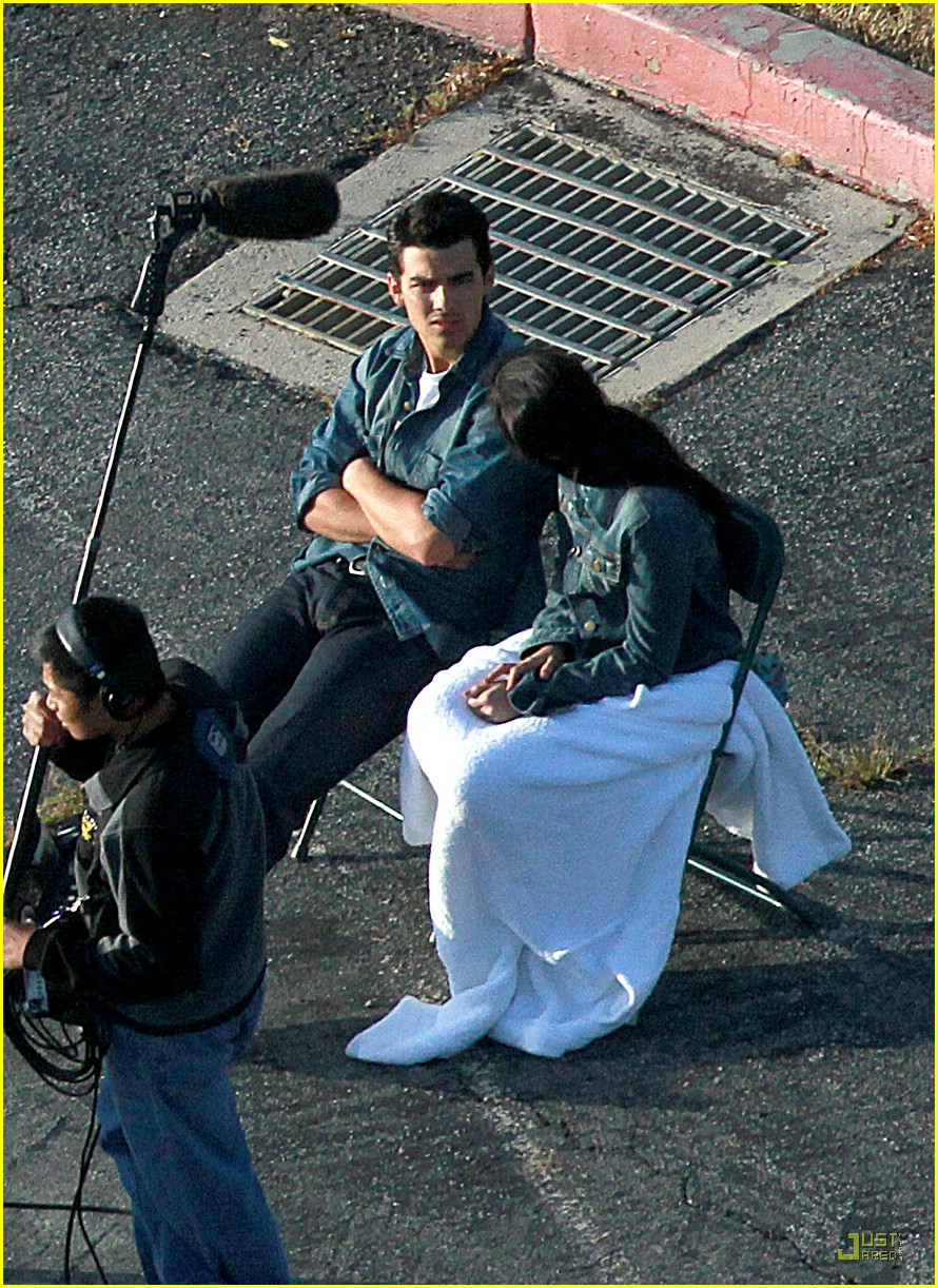 joe jonas demi lovato shoot sweet 04