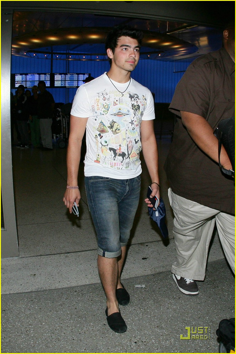 joe jonas cabo cutoffs 12