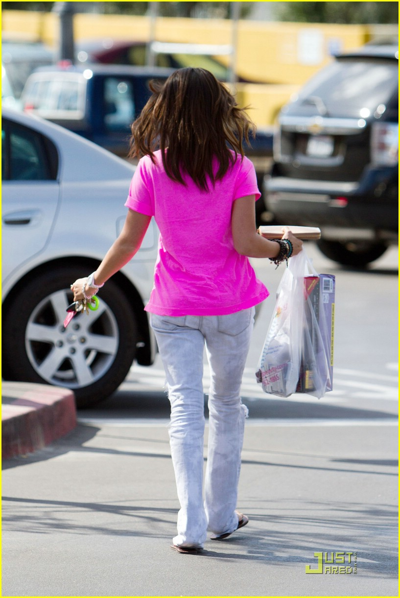 ashley tisdale pink perfect 09
