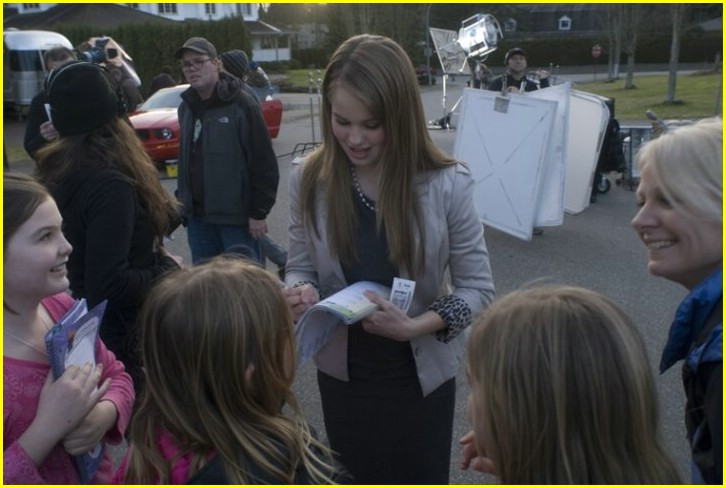 meet debby ryan borders century city 17