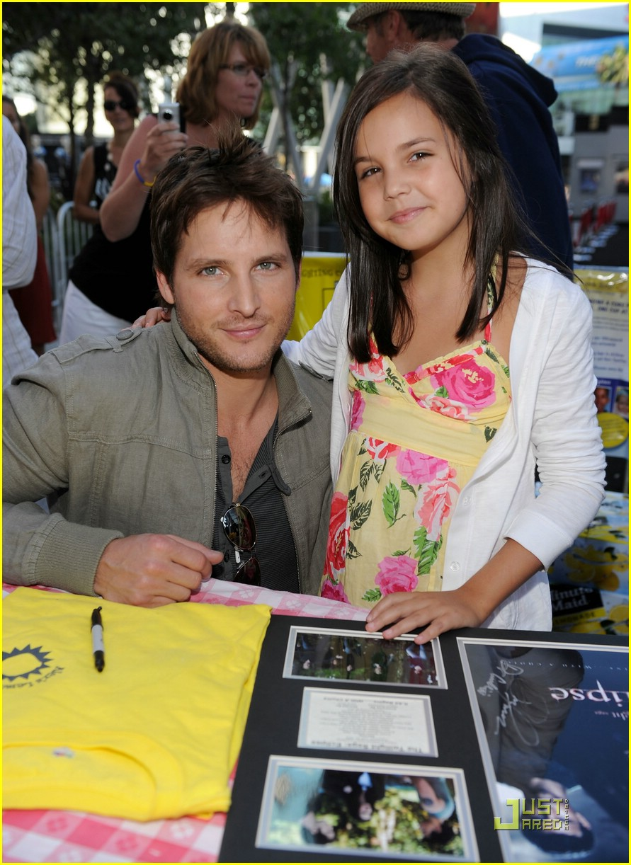 bailee madison peter facinelli lemonade 01