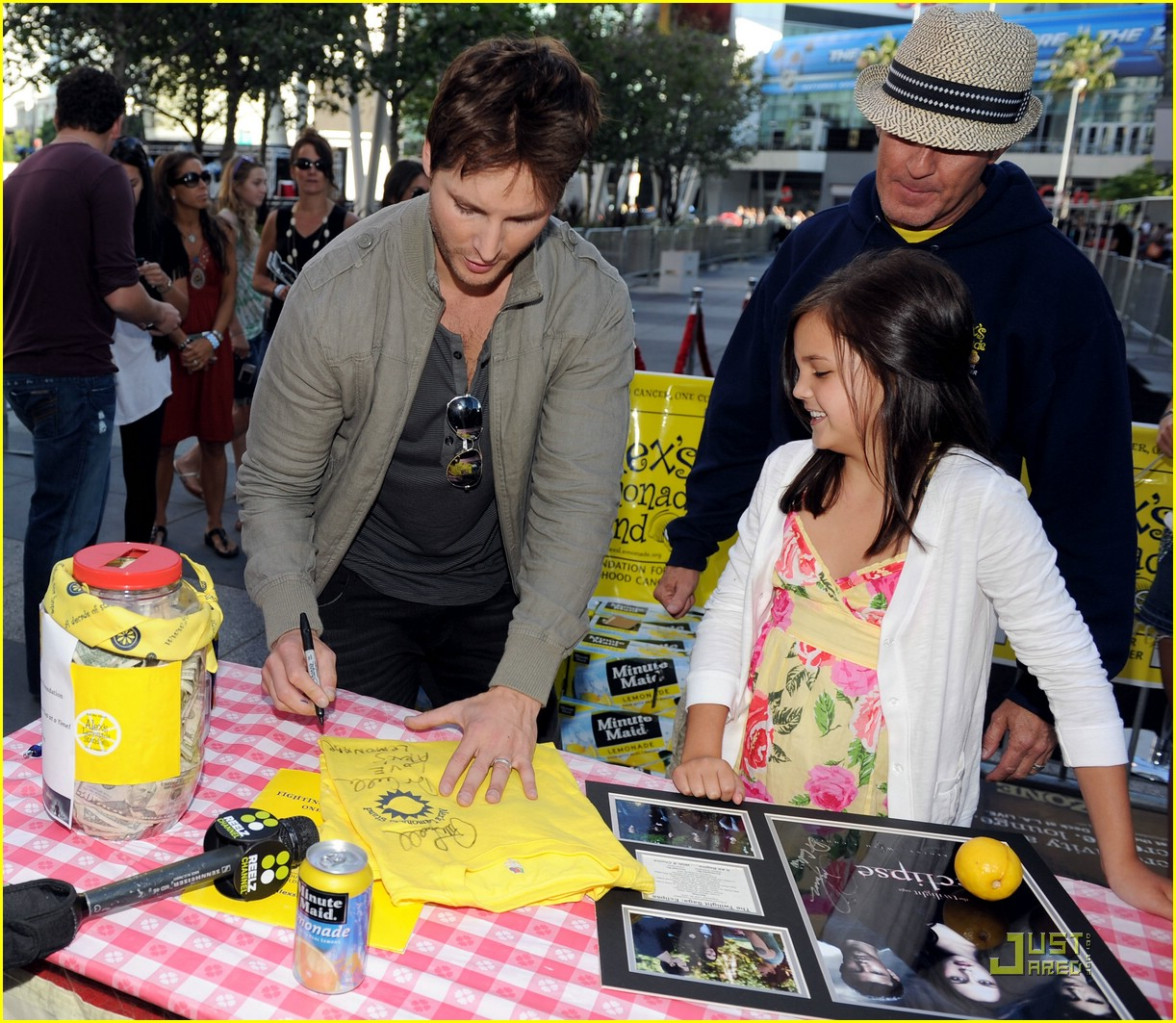 bailee madison peter facinelli lemonade 10