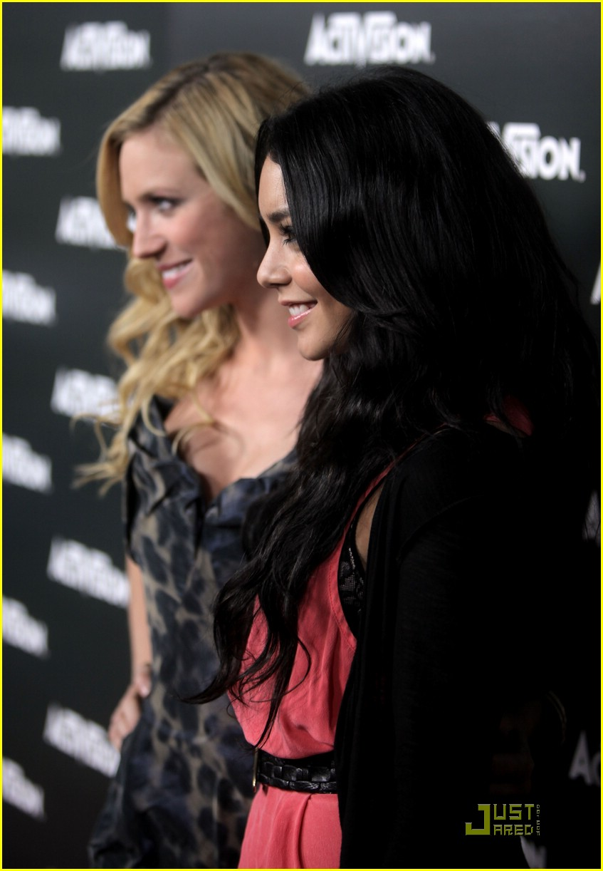 brittany snow vanessa hudgens 03