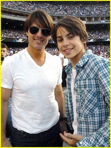 jake t austin dodger pitch 05