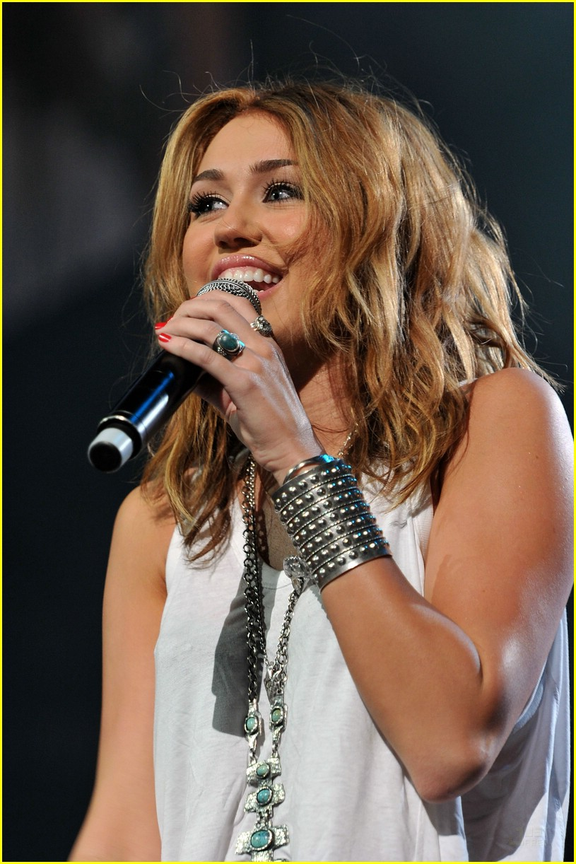 miley cyrus nashville rising 01