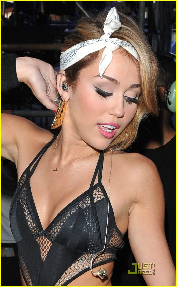 miley cyrus mmva tamed 10