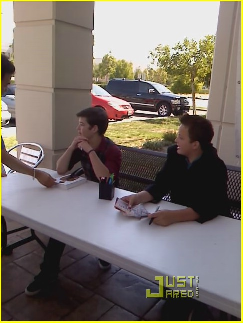 nathan kress doug brochu well done 03