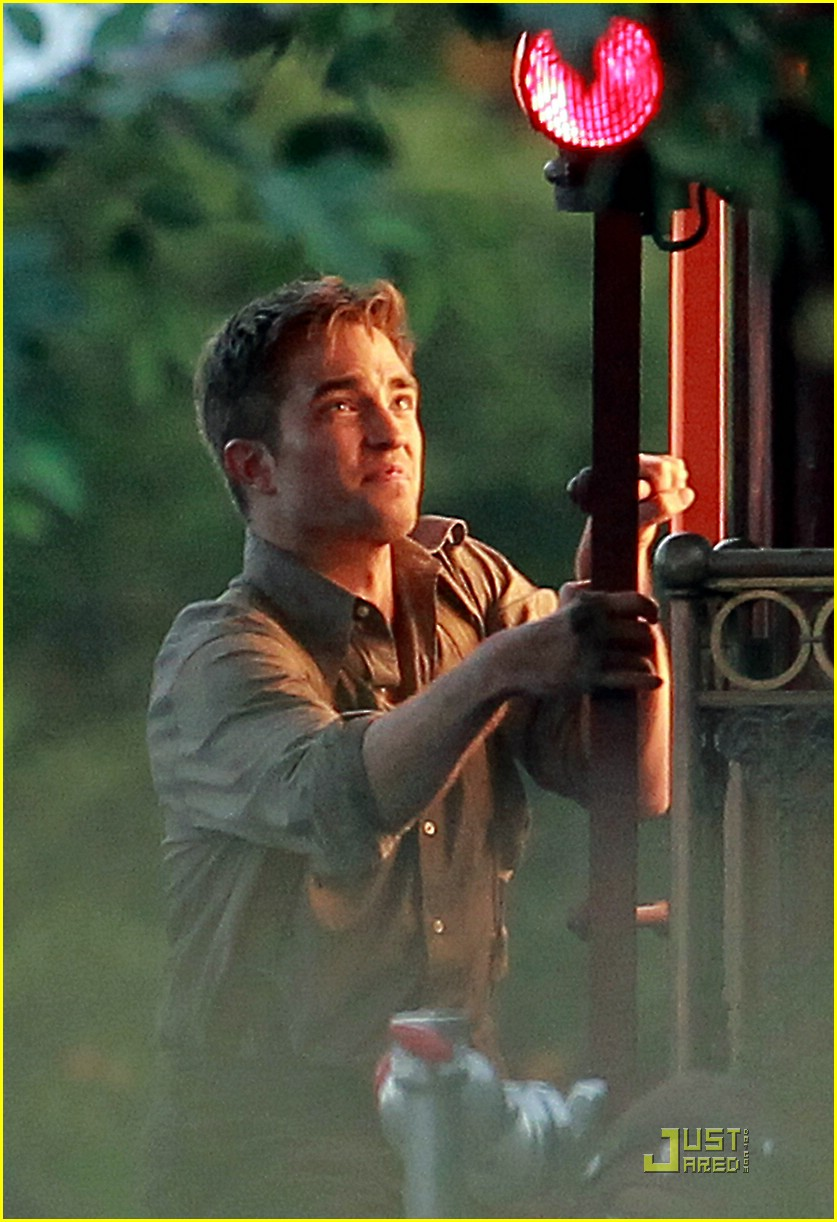 robert pattinson water stowaway 08