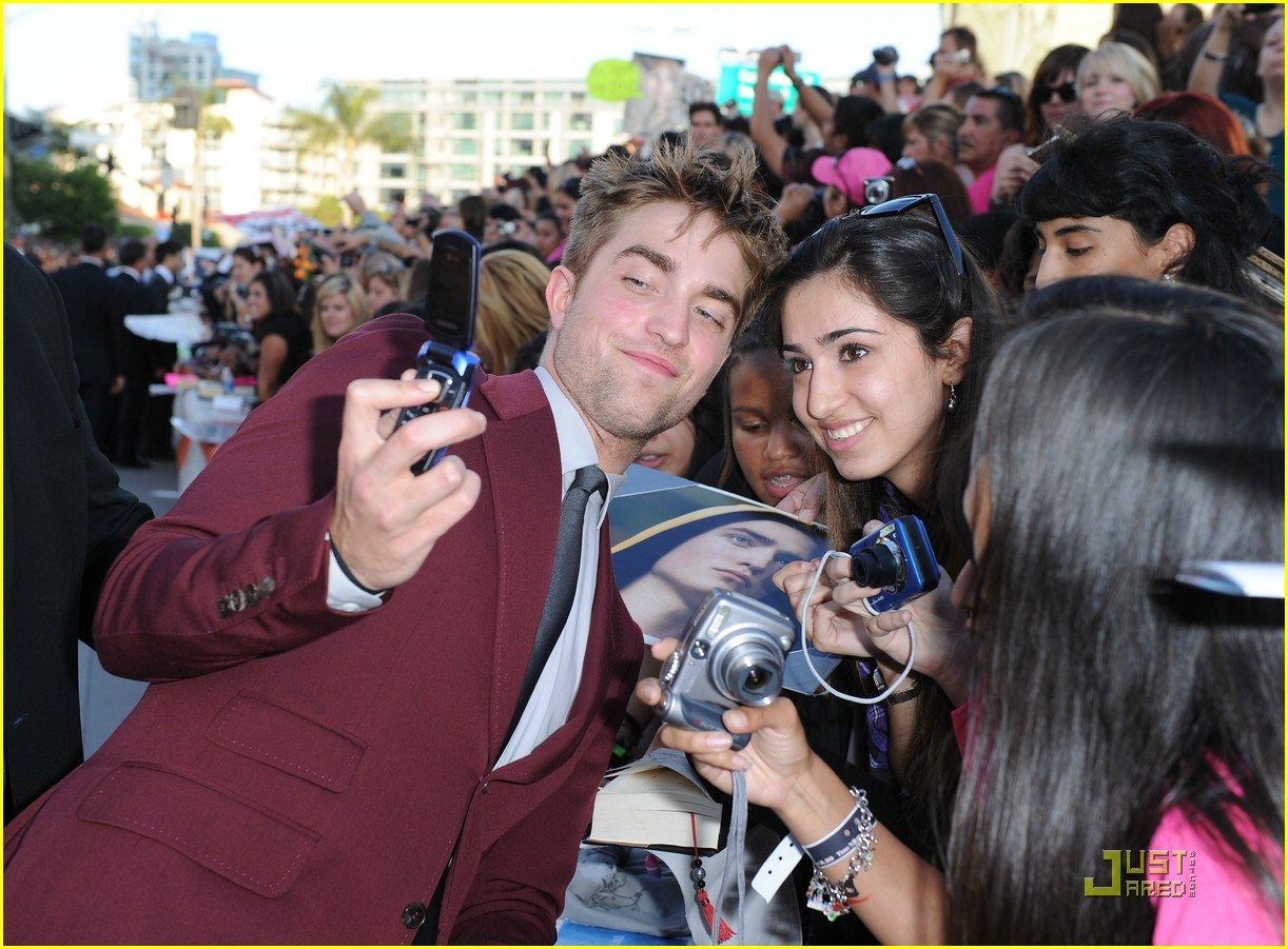 robert pattinson eclipse premiere 05