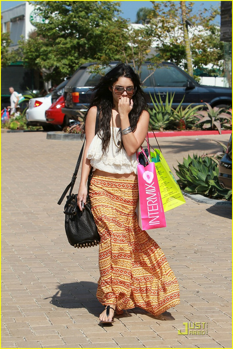 vanessa hudgens cross creek 06