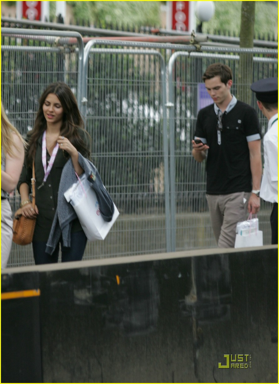 victoria justice nicholas hoult wimbledon 09