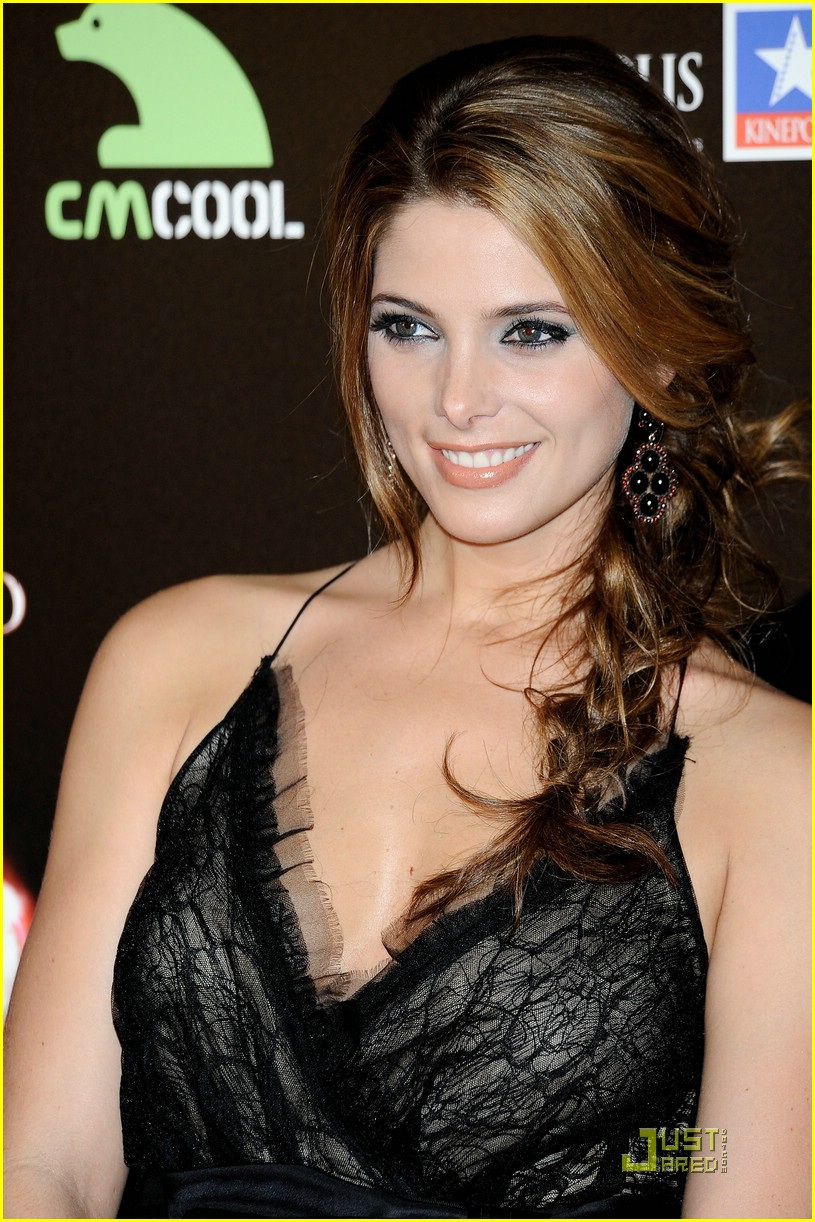 ashley greene xavier samuel punch 27