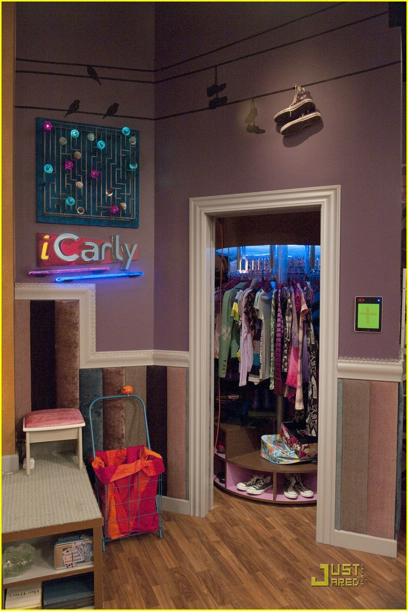 miranda cosgrove icarly hot room 14