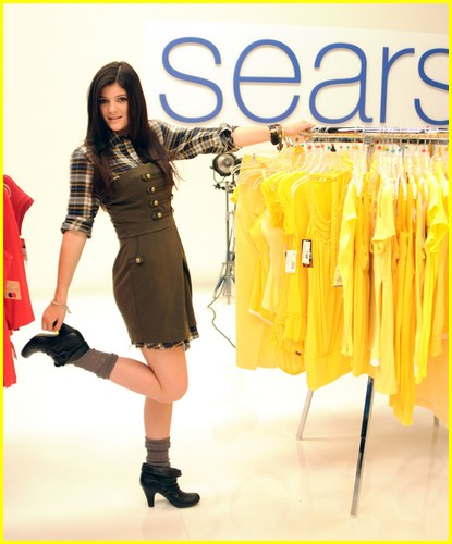 kylie jenner sears model 01