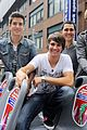 Btr-nyc big time rush tour bus 09