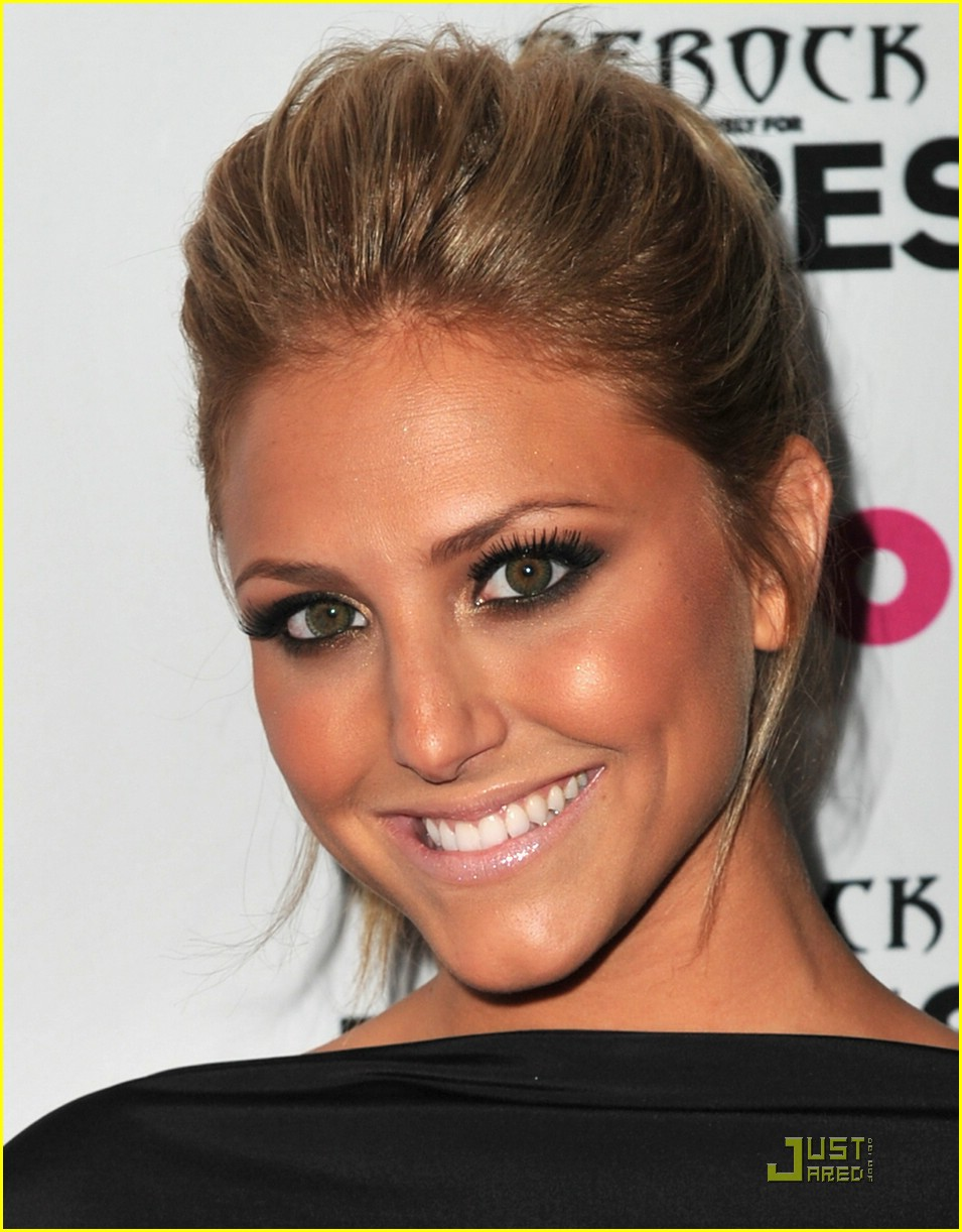 cassie scerbo backless rival 02