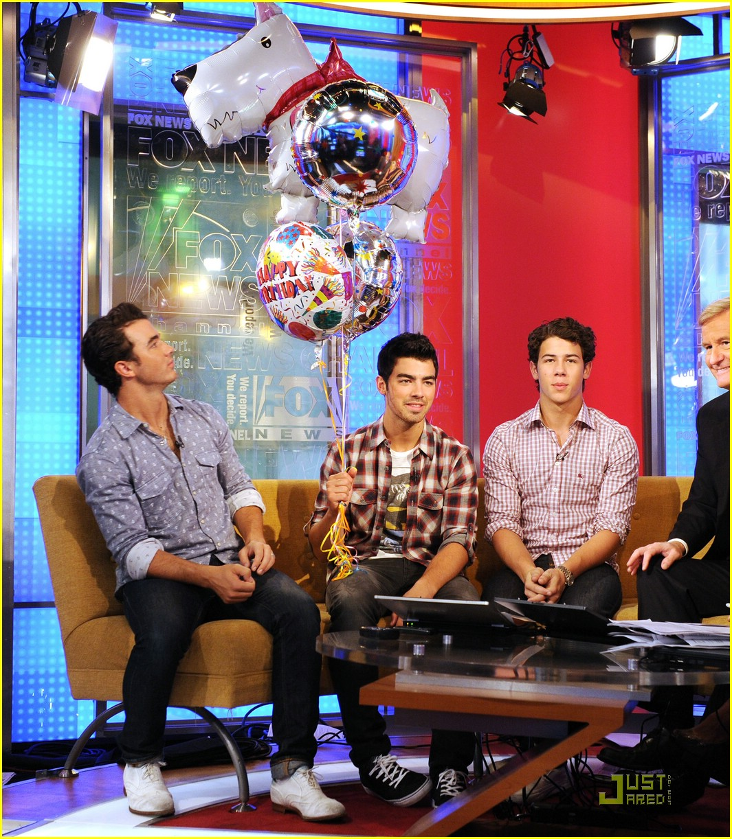 jonas brothers fox friends 15