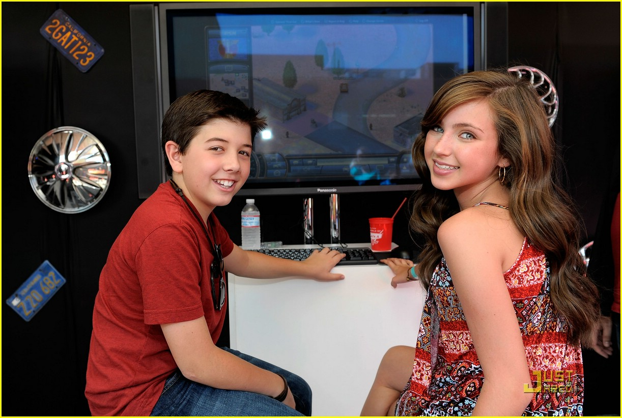 Ryan Newman & Bradley Steven Perry Design a Car | Photo ...
