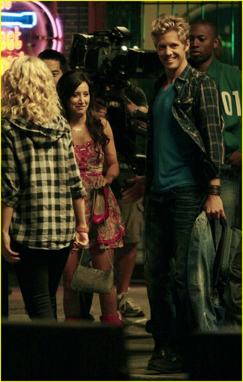 ashley tisdale matt barr date scene 17