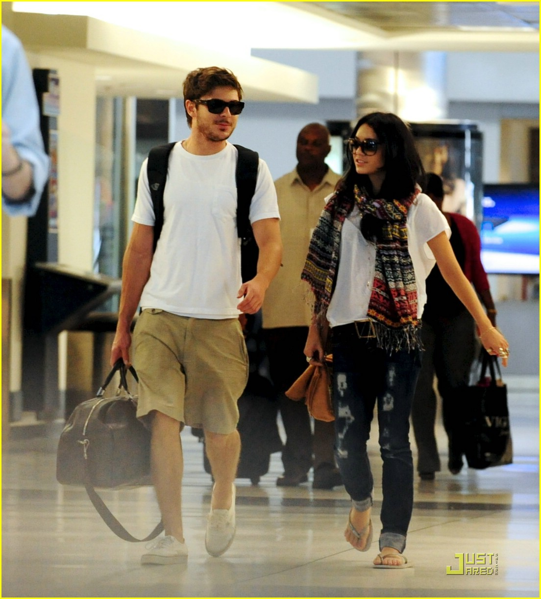 About This Photo Set: Longtime couple Zac Efron and Vanessa Hudgens ...