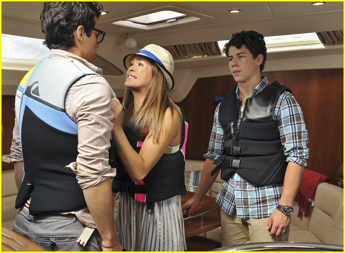 david henrie emily osment jonas 02