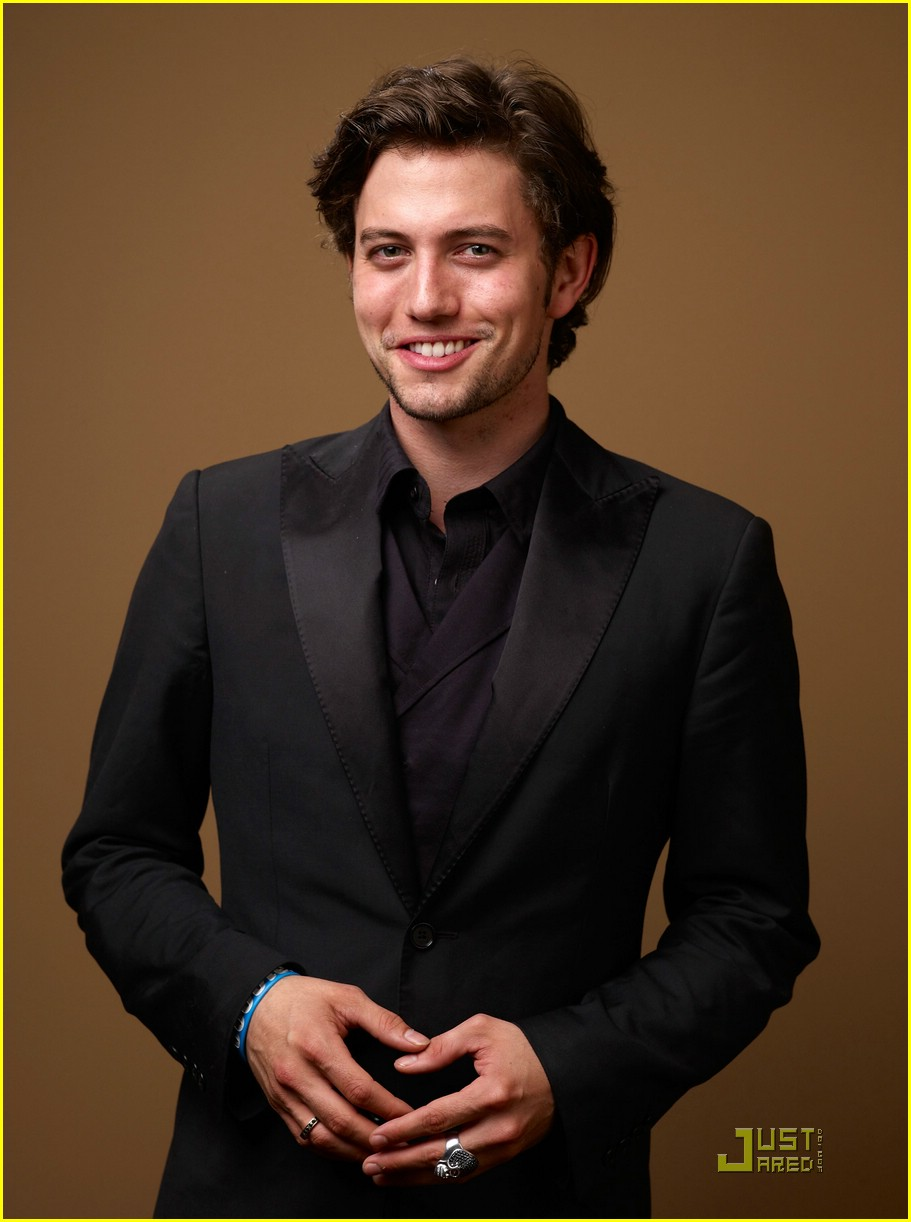 jackson rathbone girlfriend tiff 03