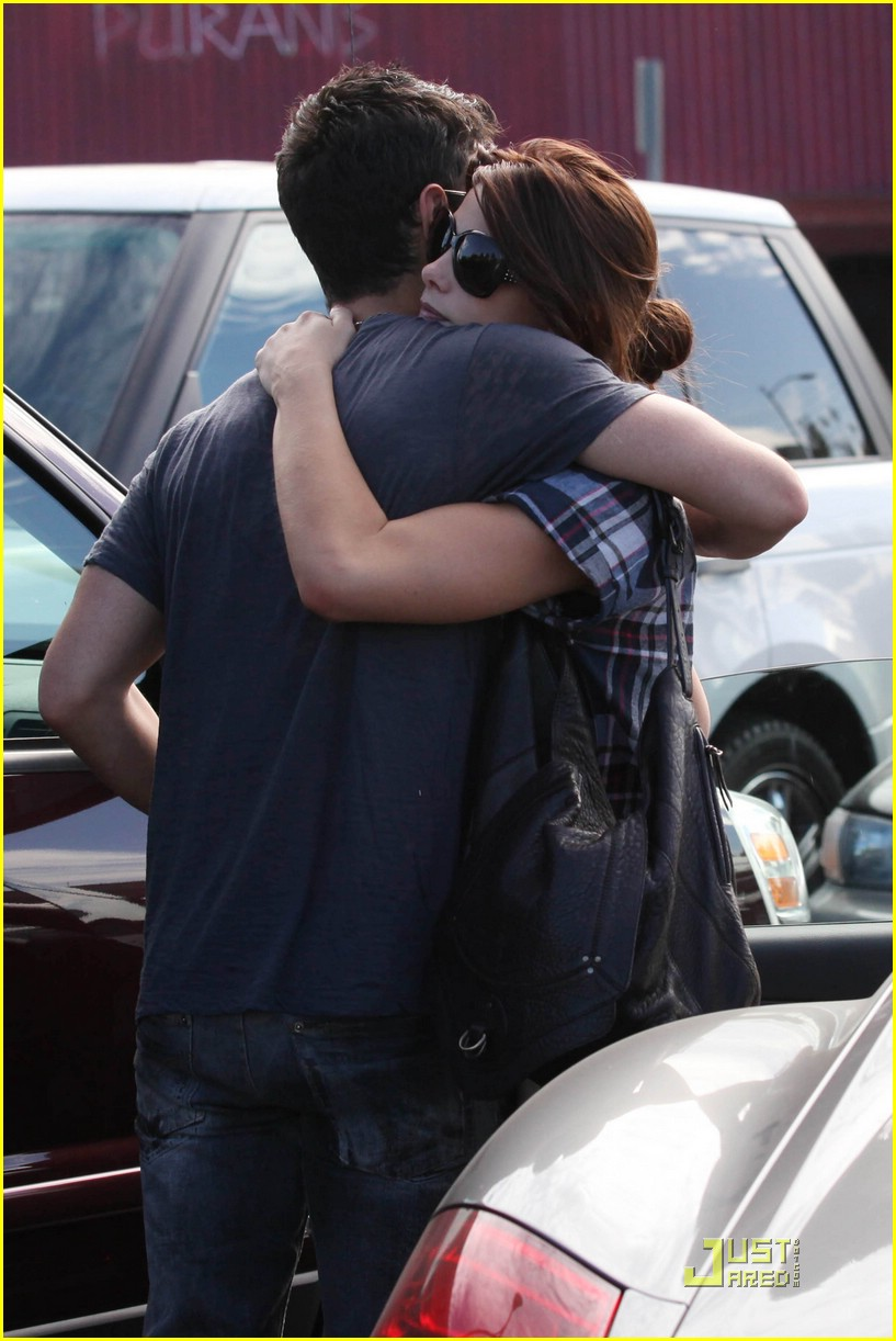 joe jonas ashley greene dg 22