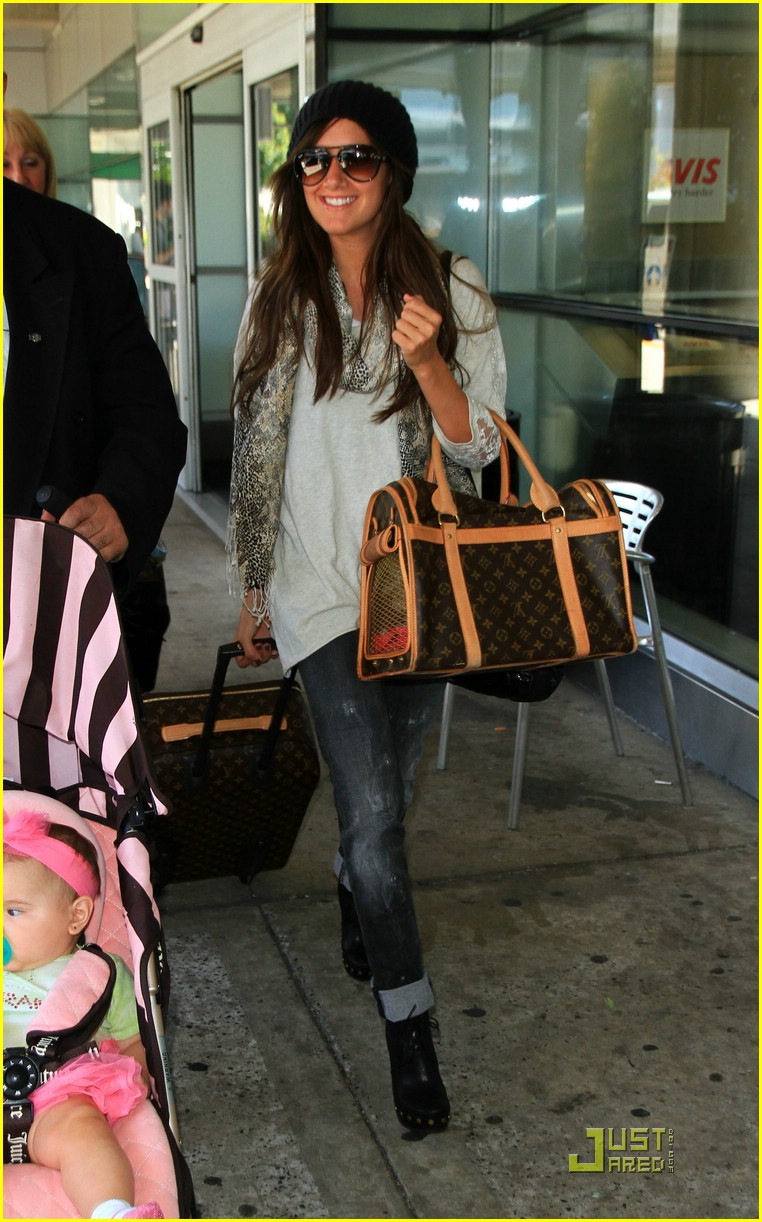 ashley tisdale family nyc 01