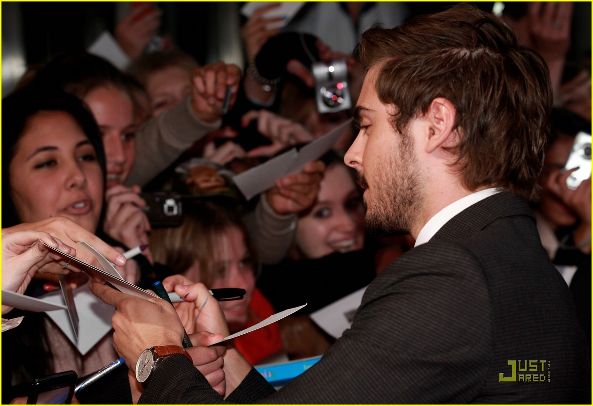 zac efron dinner premiere germany 10