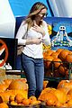 Emma-pumpkin emma roberts pumpkin patch 01
