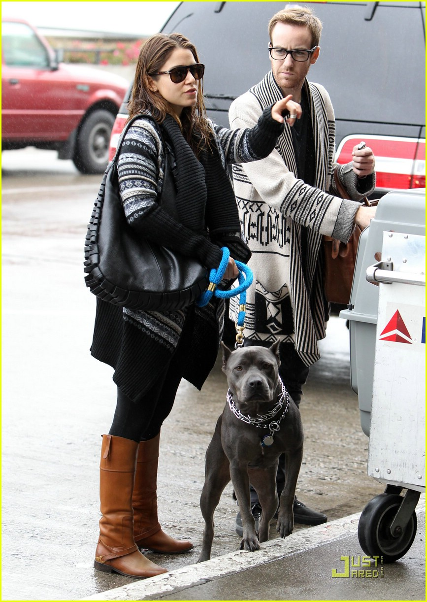 ashley greene nikki reed twi dogs 10