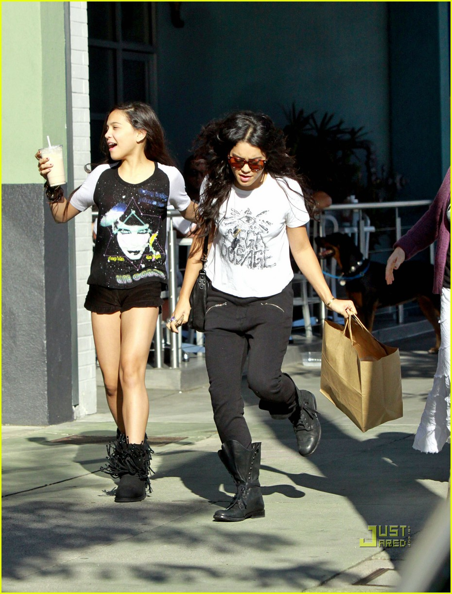vanessa hudgens counter restaurant 03