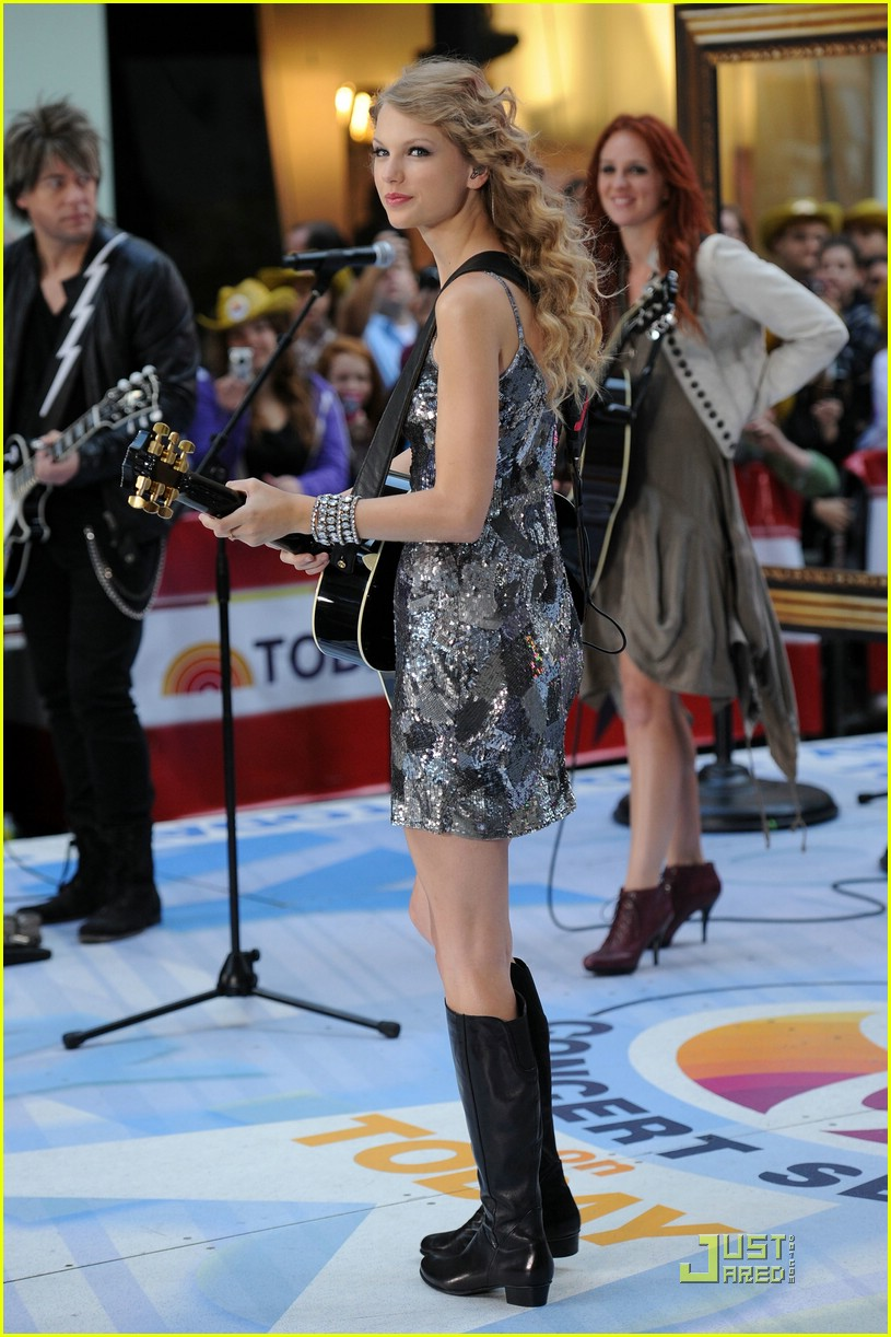 taylor swift rockefeller center 06