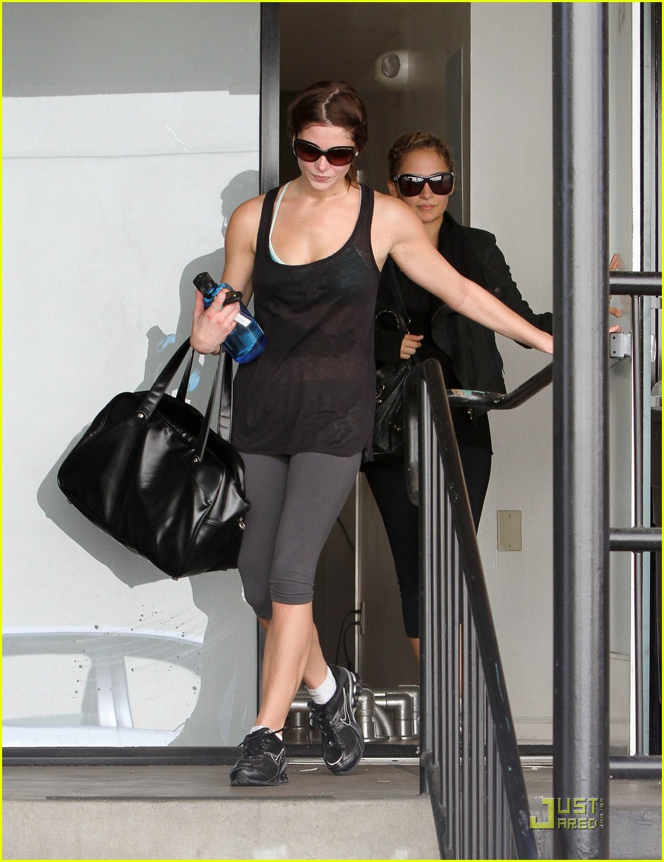 ashley greene nicole richie gym 01