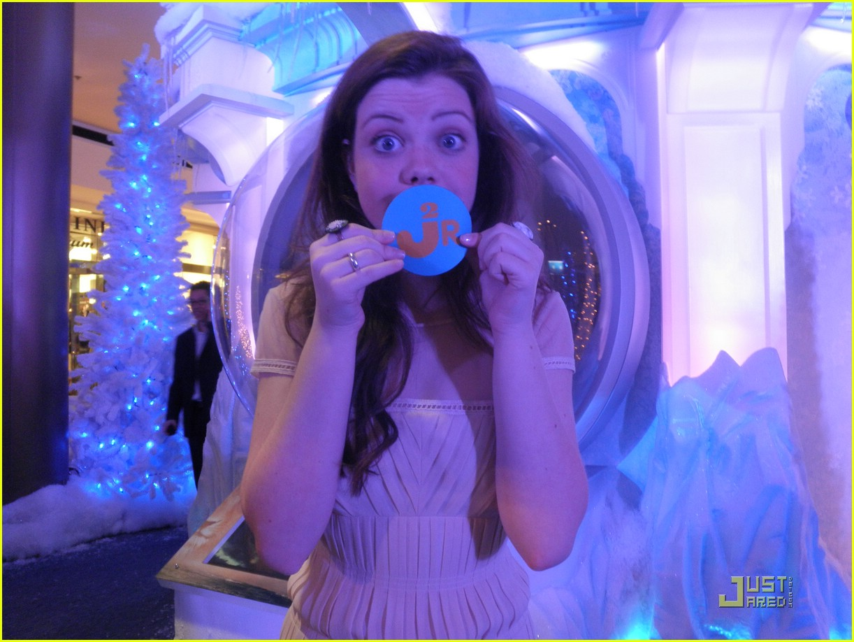 georgie henley will poulter lighting ice palace 02