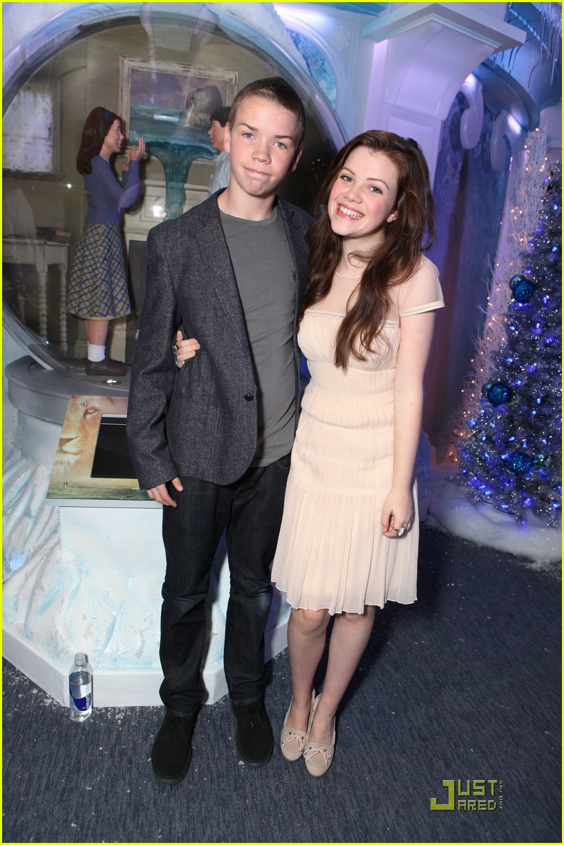 georgie henley will poulter lighting ice palace 03