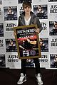 Justin-madrid justin bieber madrid gold record 24