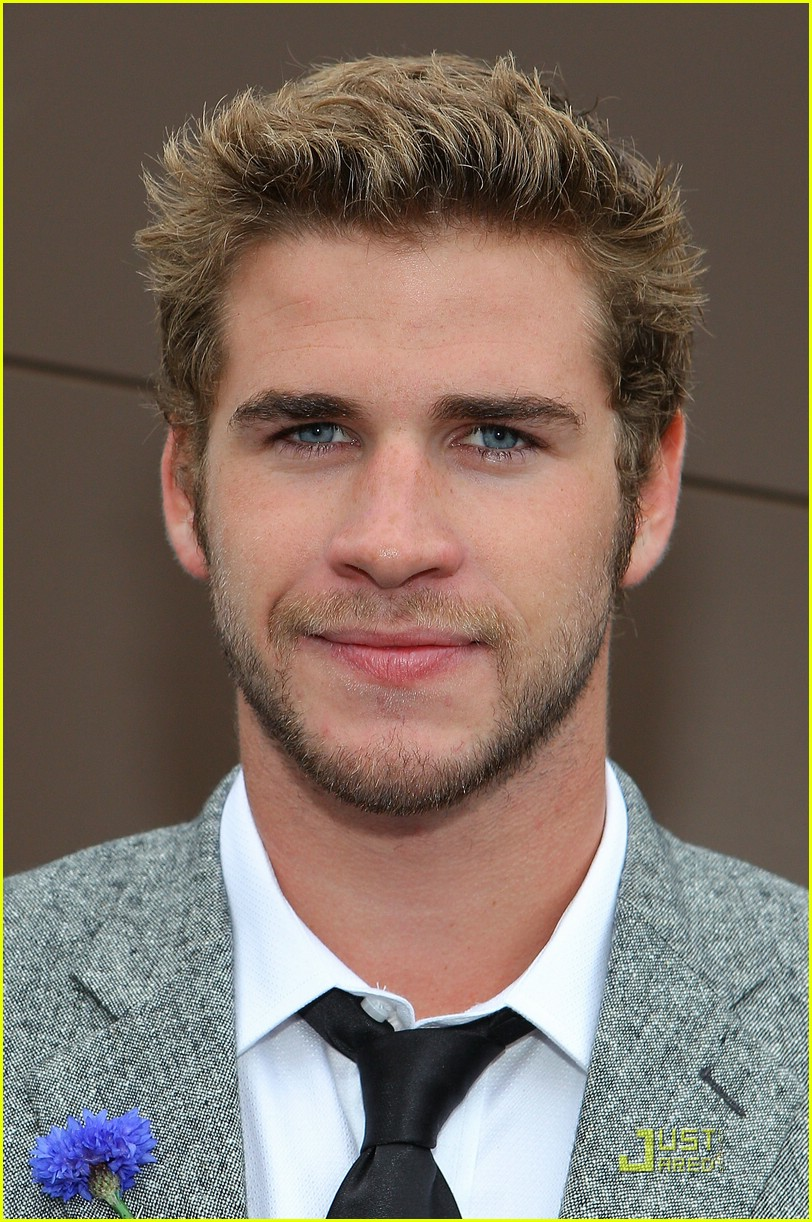 liam hemsworth melbourne cup 01