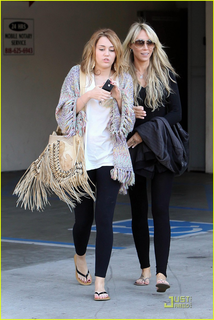miley cyrus tish panera 02